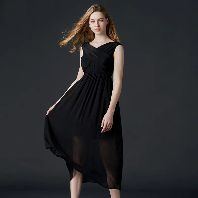 Hot Selling Free Shipping 2019 New Summer Dress Women Flowing 100% Silk Suspender Dress Open Back Dress High Quality Clothing